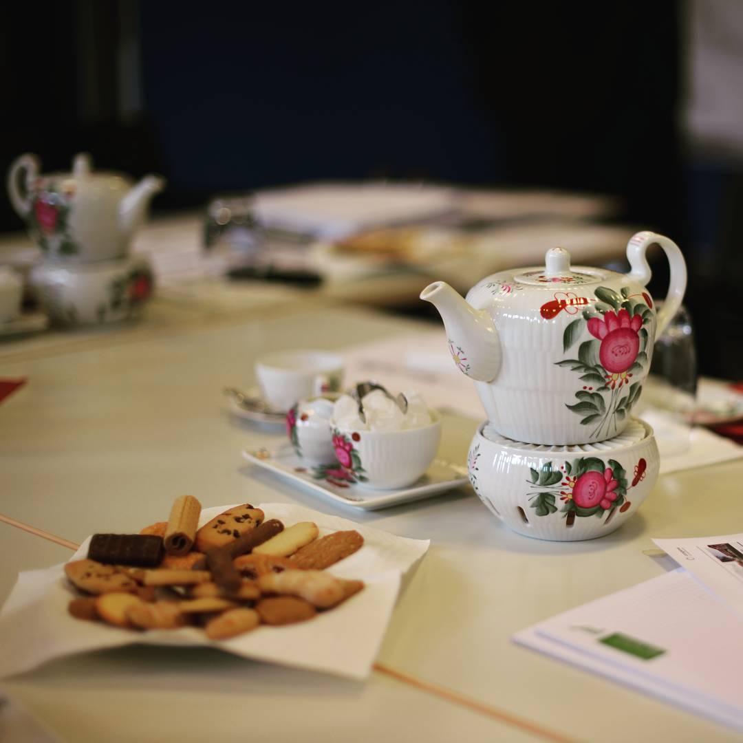 Ostfriesisches Teetrinken NV-Versicherungen